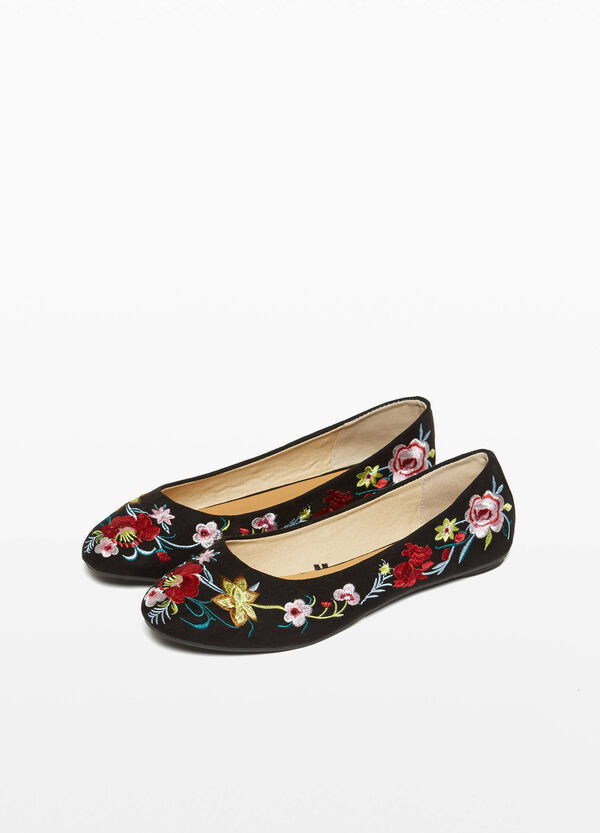 Ballerina flats with embroidered floral canvas