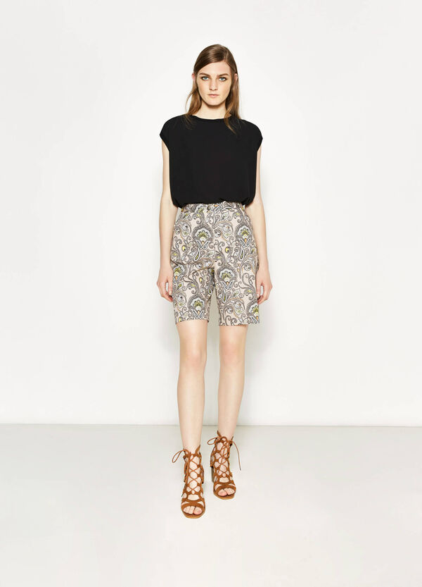High-waisted Bermuda shorts with paisley pattern | OVS
