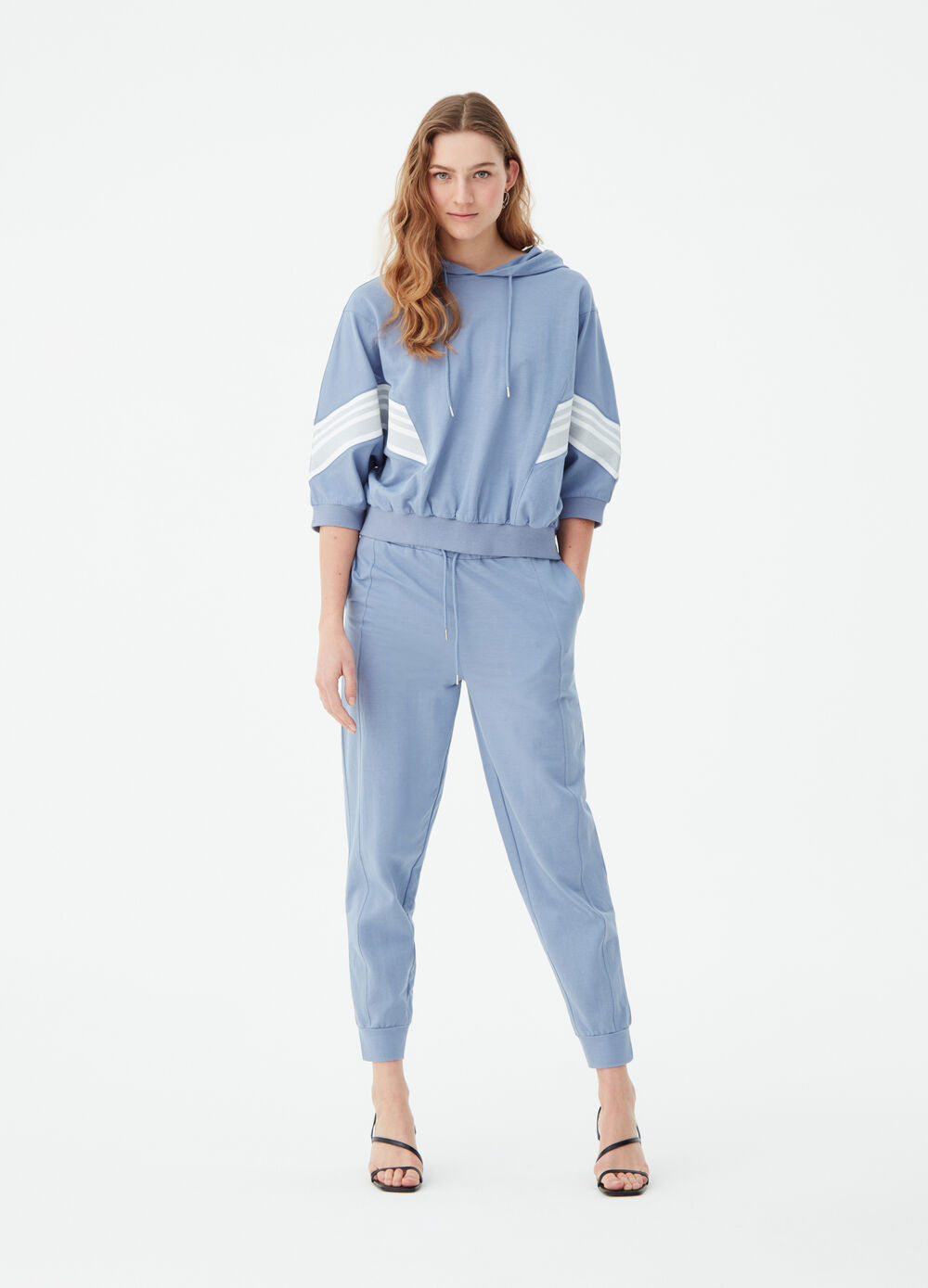 Jogger trousers with laces