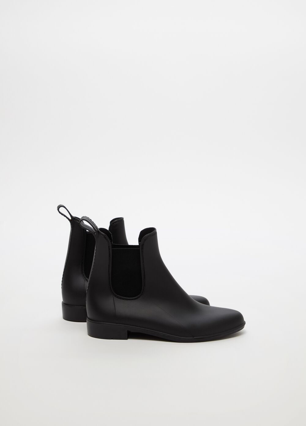 Rain boots with chunky heel