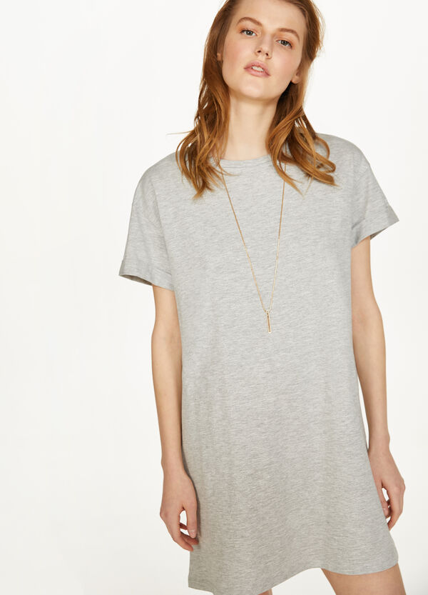 Dress in 100% cotton with short sleeves
