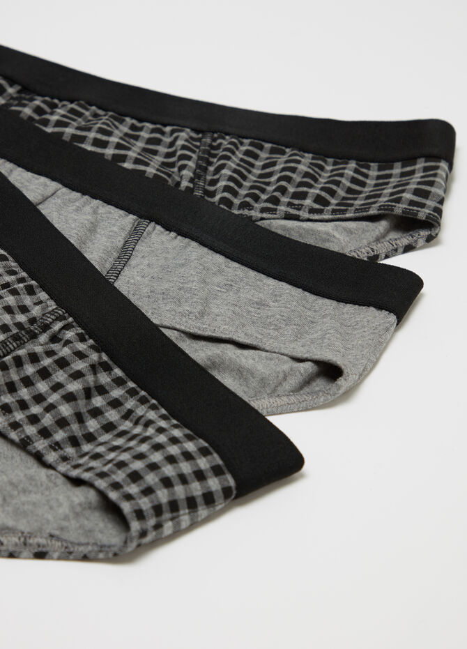 Three-pack stretch cotton briefs check and solid colour