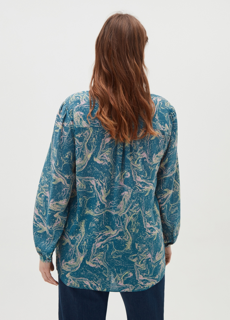 Curvy shirt with all-over print image number null