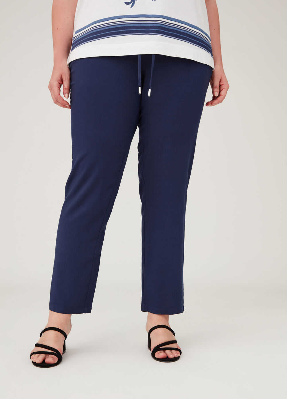 Curvy viscose trousers with drawstring