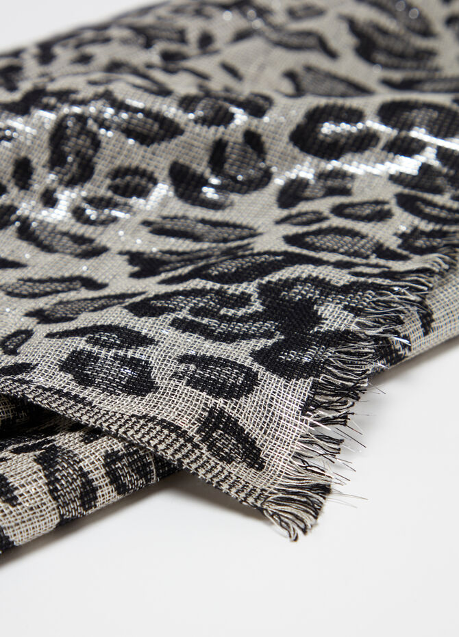 Jacquard stole with animal pattern