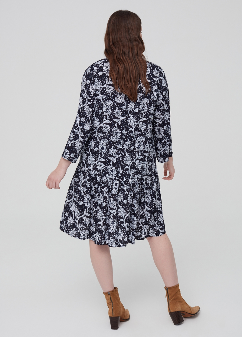 Curvy patterned dress in 100% viscose image number null