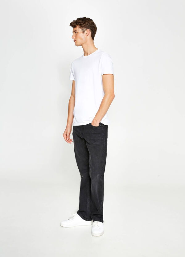 Solid colour comfort-fit stretch jeans | OVS