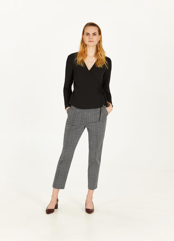Elegant trousers with geometric print
