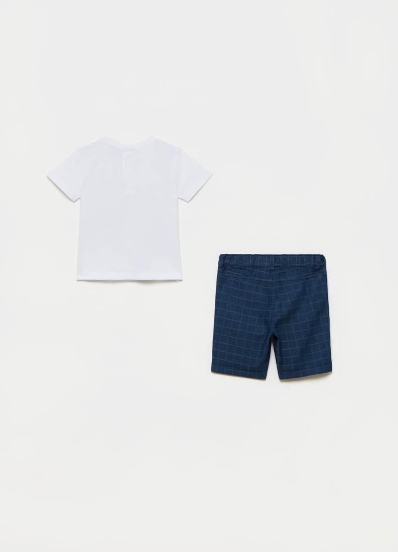 T-shirt with waistcoat and shorts set image number null