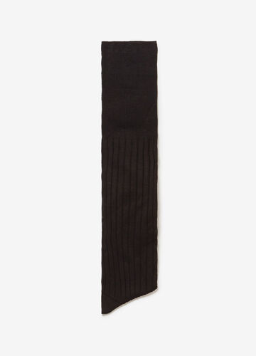 Long ribbed socks with Scottish allure