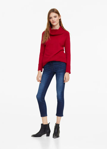 Skinny-fit cigarette jeans with studs
