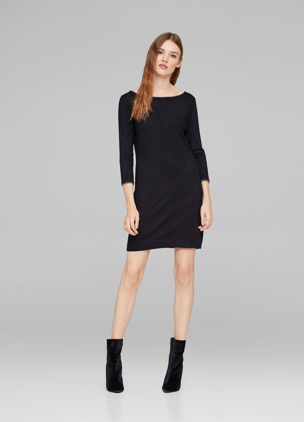 Boat neck dress with glitter