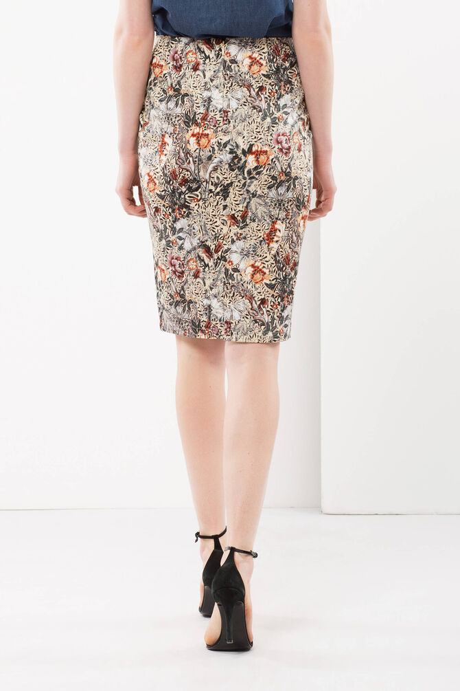 Sheath skirt with floral print
