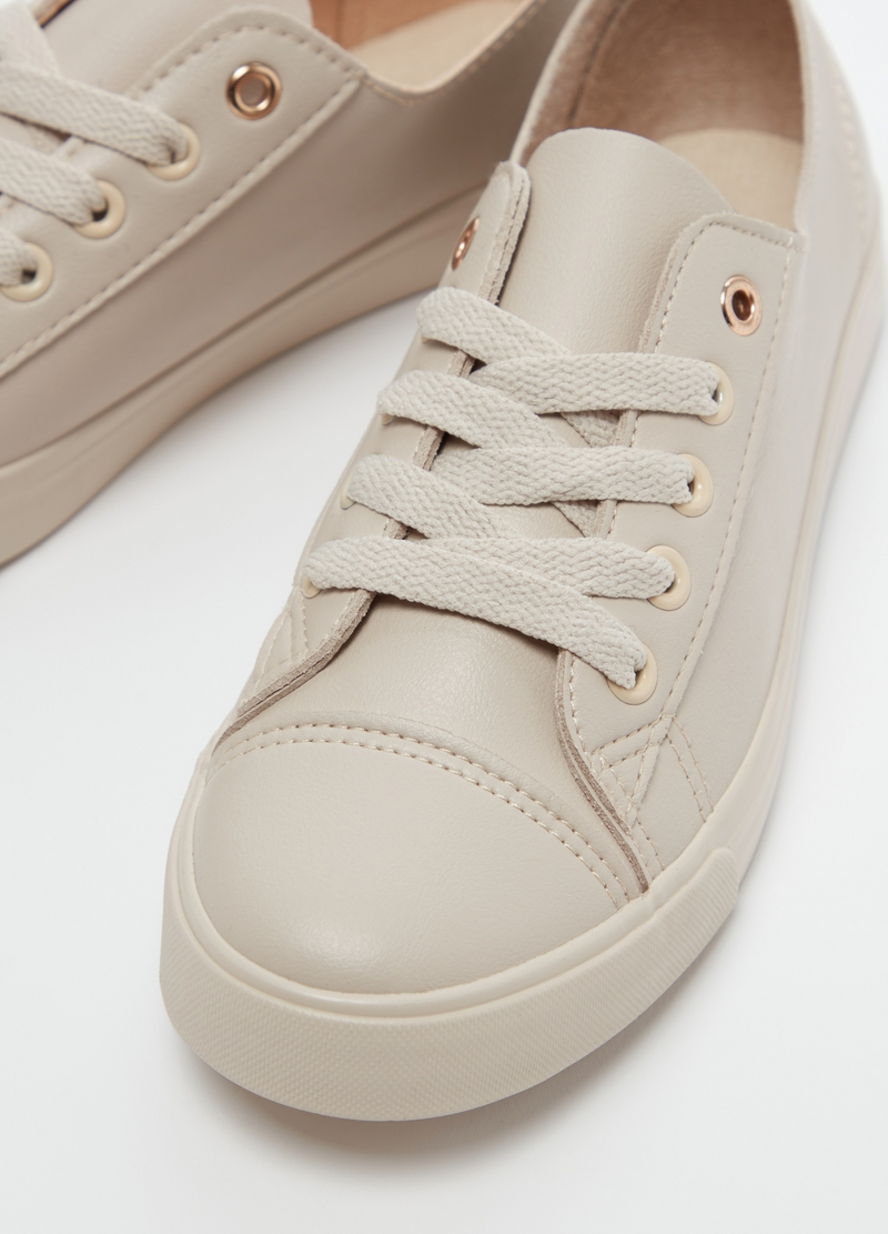 Sneakers with flat sole image number null