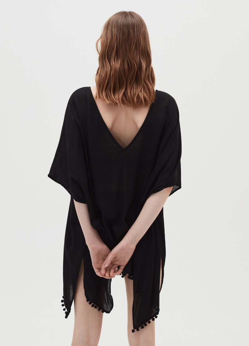 Beach poncho with macramé insert image number null