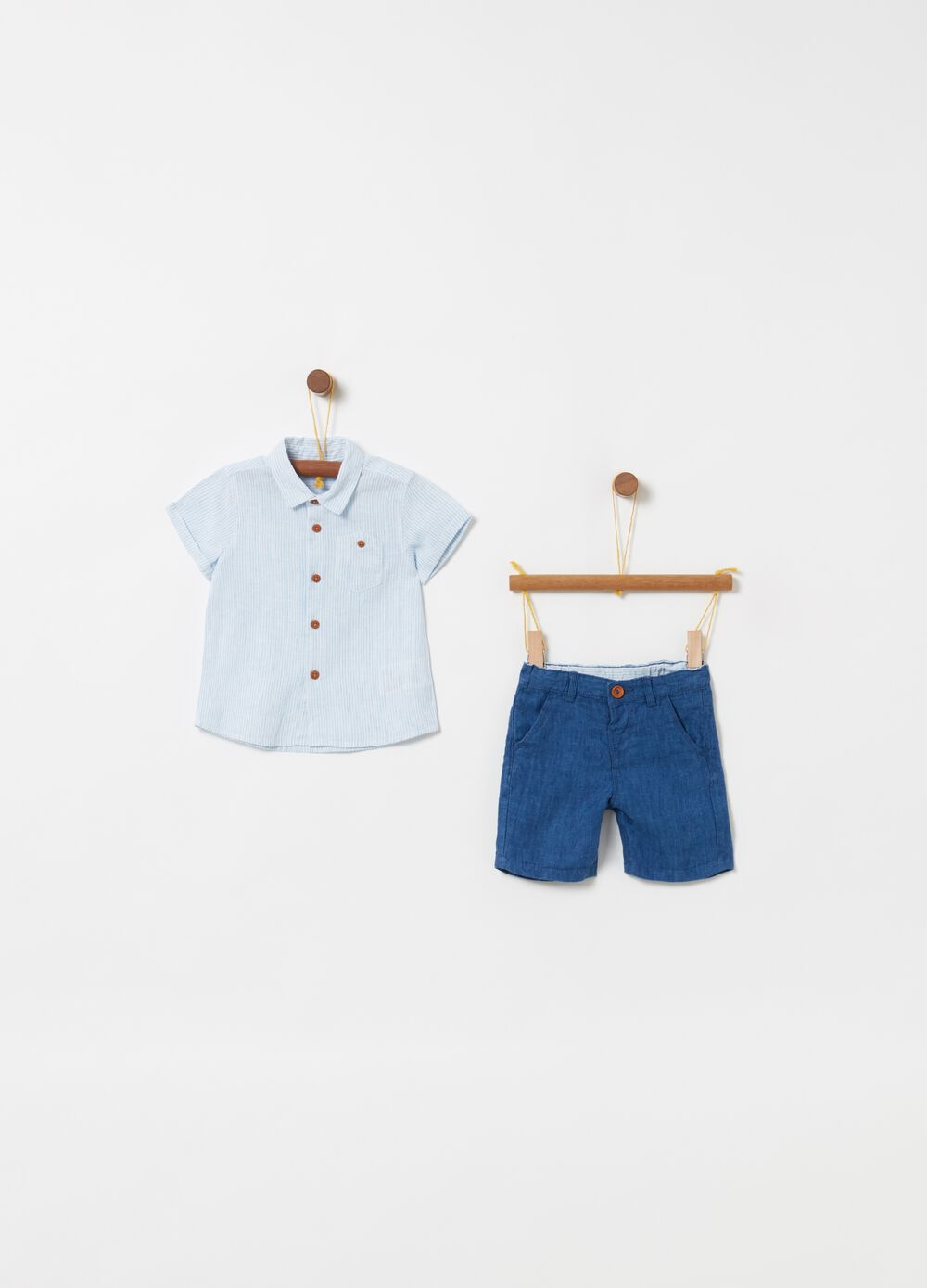 Shirt and shorts set with striped pattern