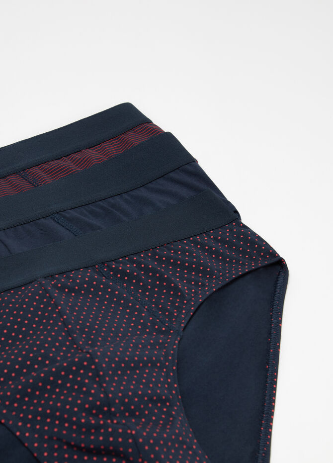 Three-pack briefs with elasticated exterior and pattern