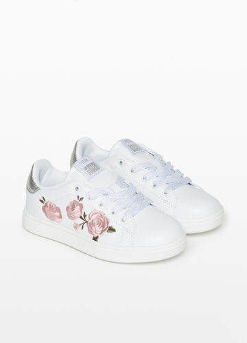 Sneakers with floral embroidery