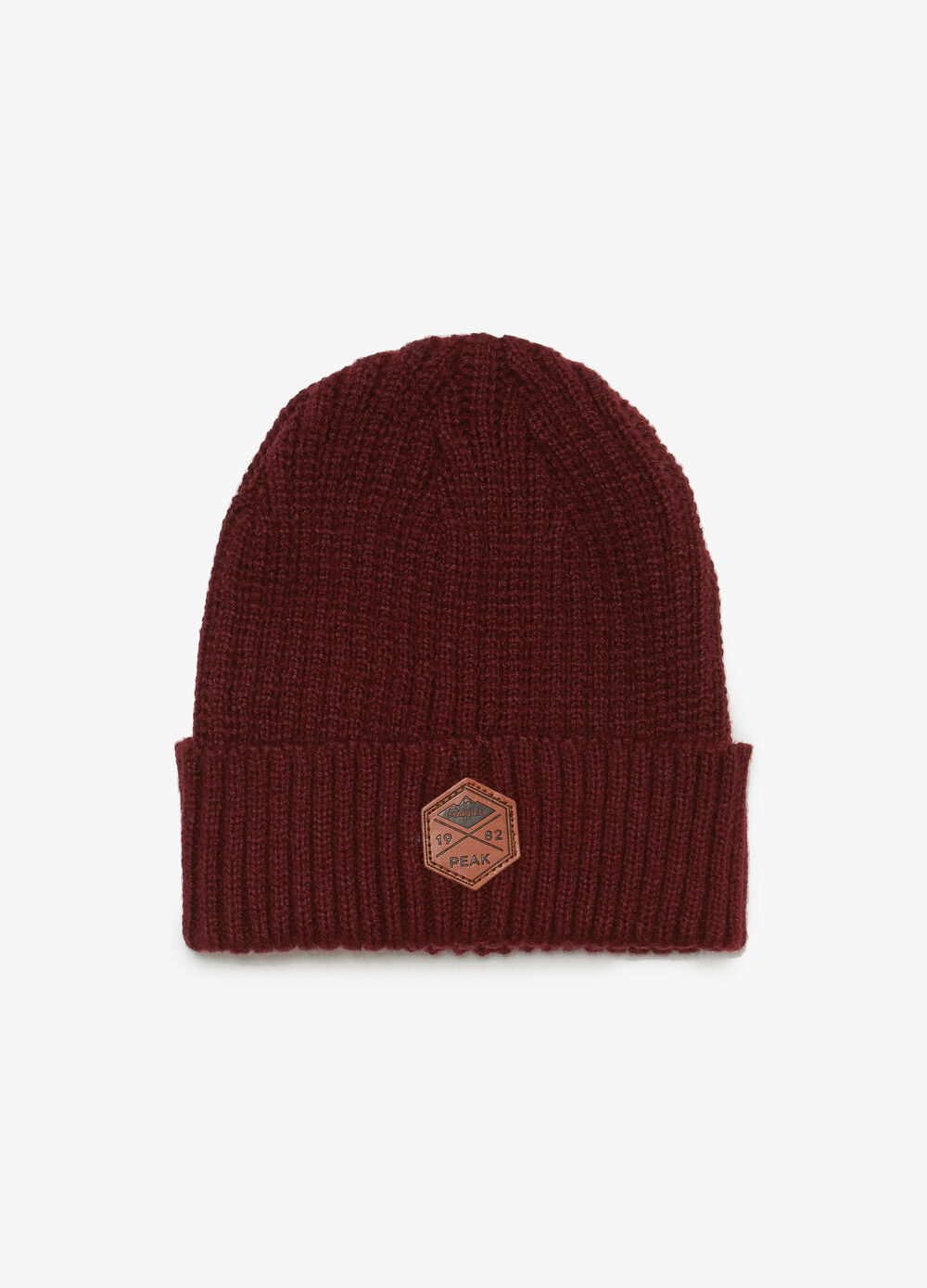 Ribbed beanie cap with patch