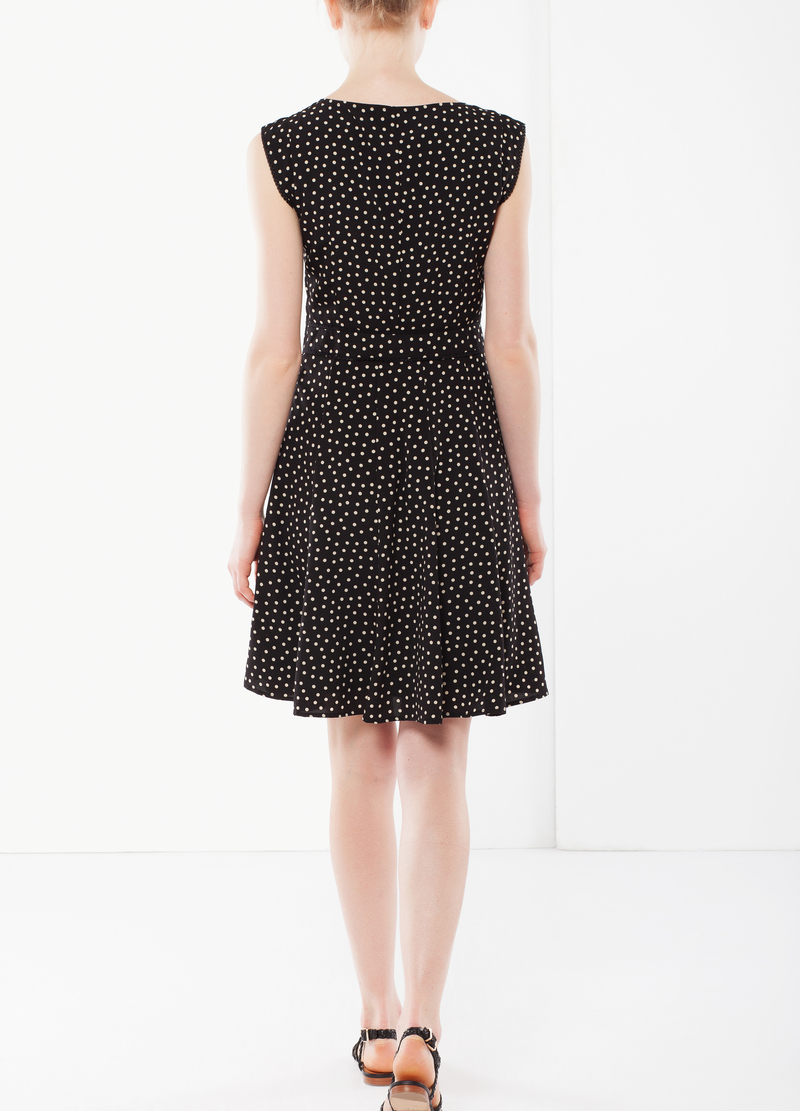 Sleeveless dress with waistband image number null