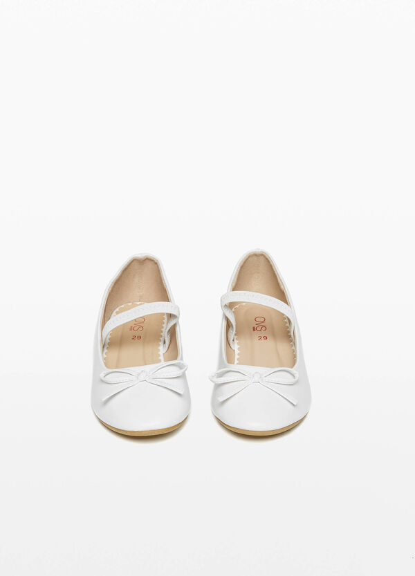 Ballerina flats with bow and strap