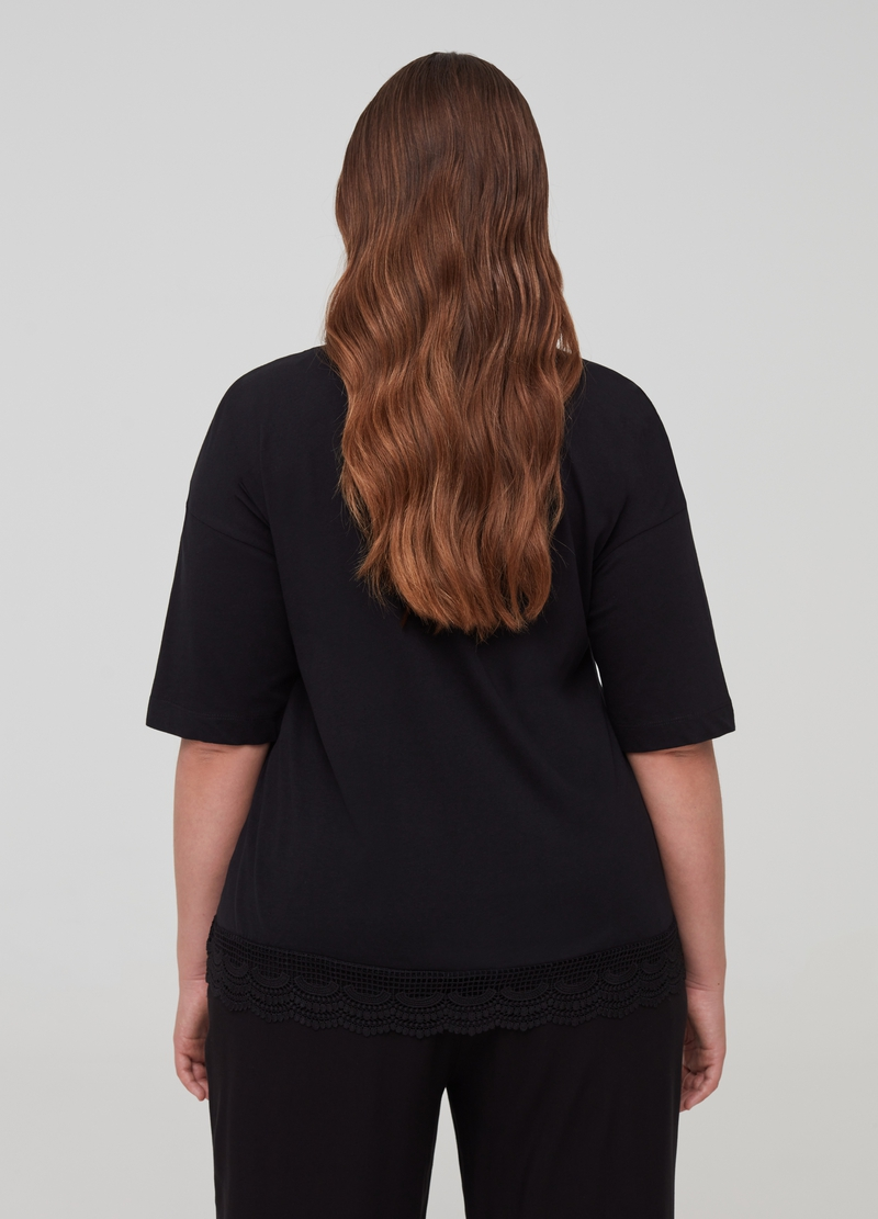 T-shirt in cotone bio con pizzo Curvy image number null