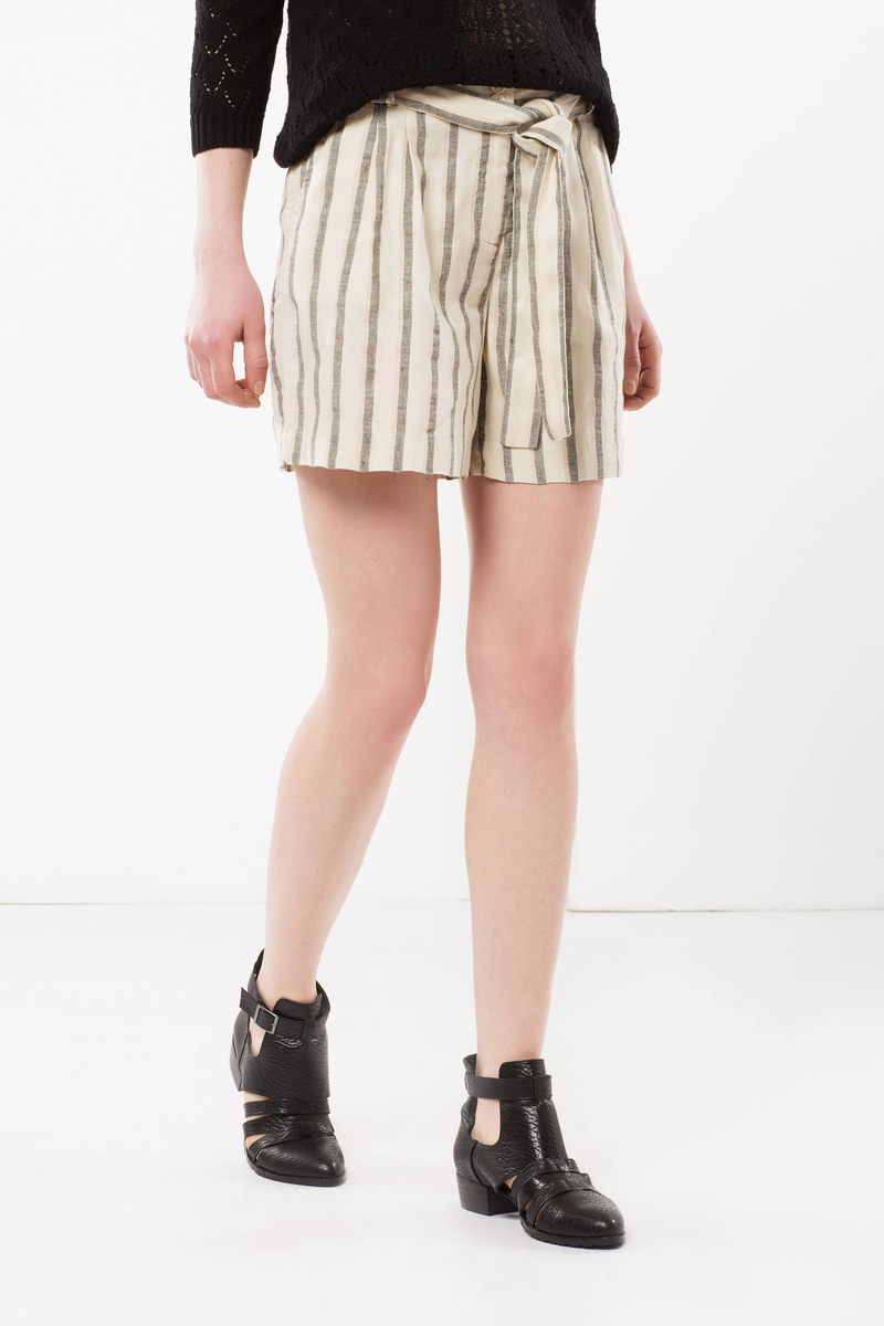 Stripe print shorts with belt image number null