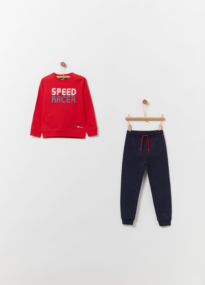 Jogging set with pouch pocket and trousers
