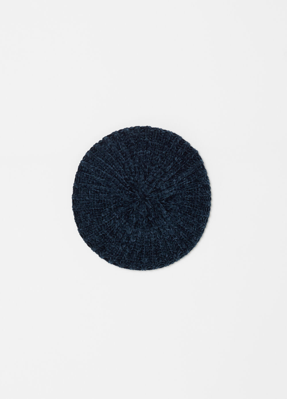 Solid colour beret in soft chenille