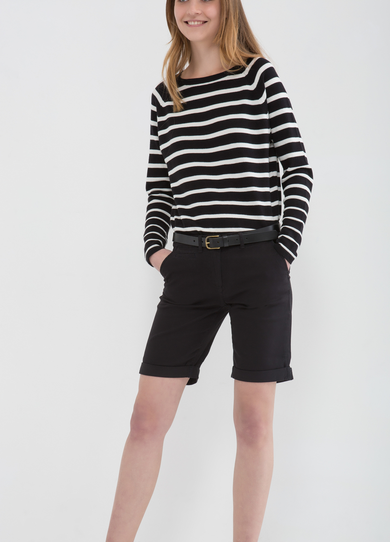 Solid colour stretch cotton Bermudas image number null