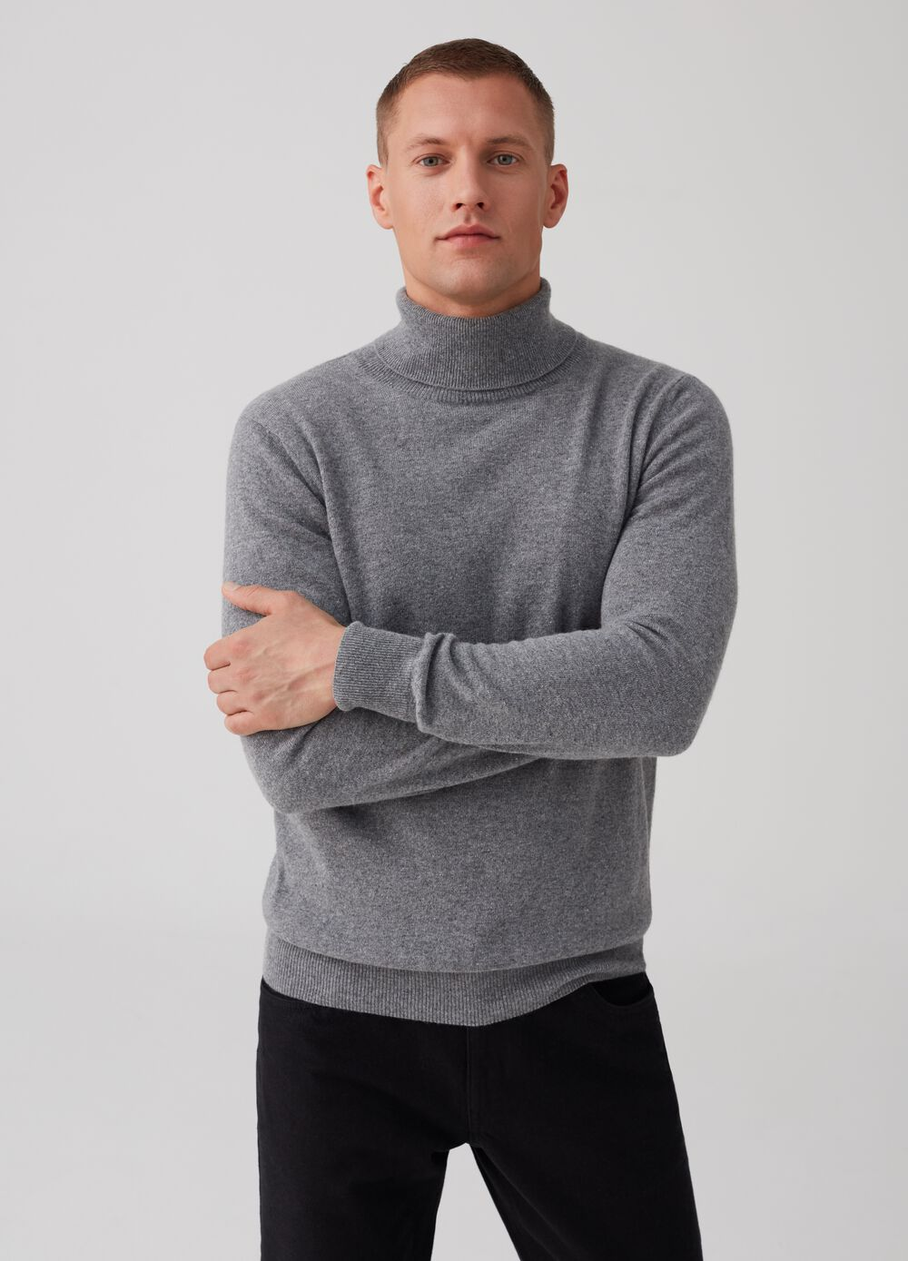 Turtleneck jumper with high neck and ribbing