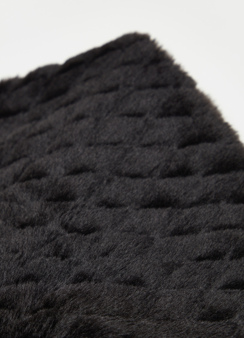 Faux fur neck warmer with braiding image number null