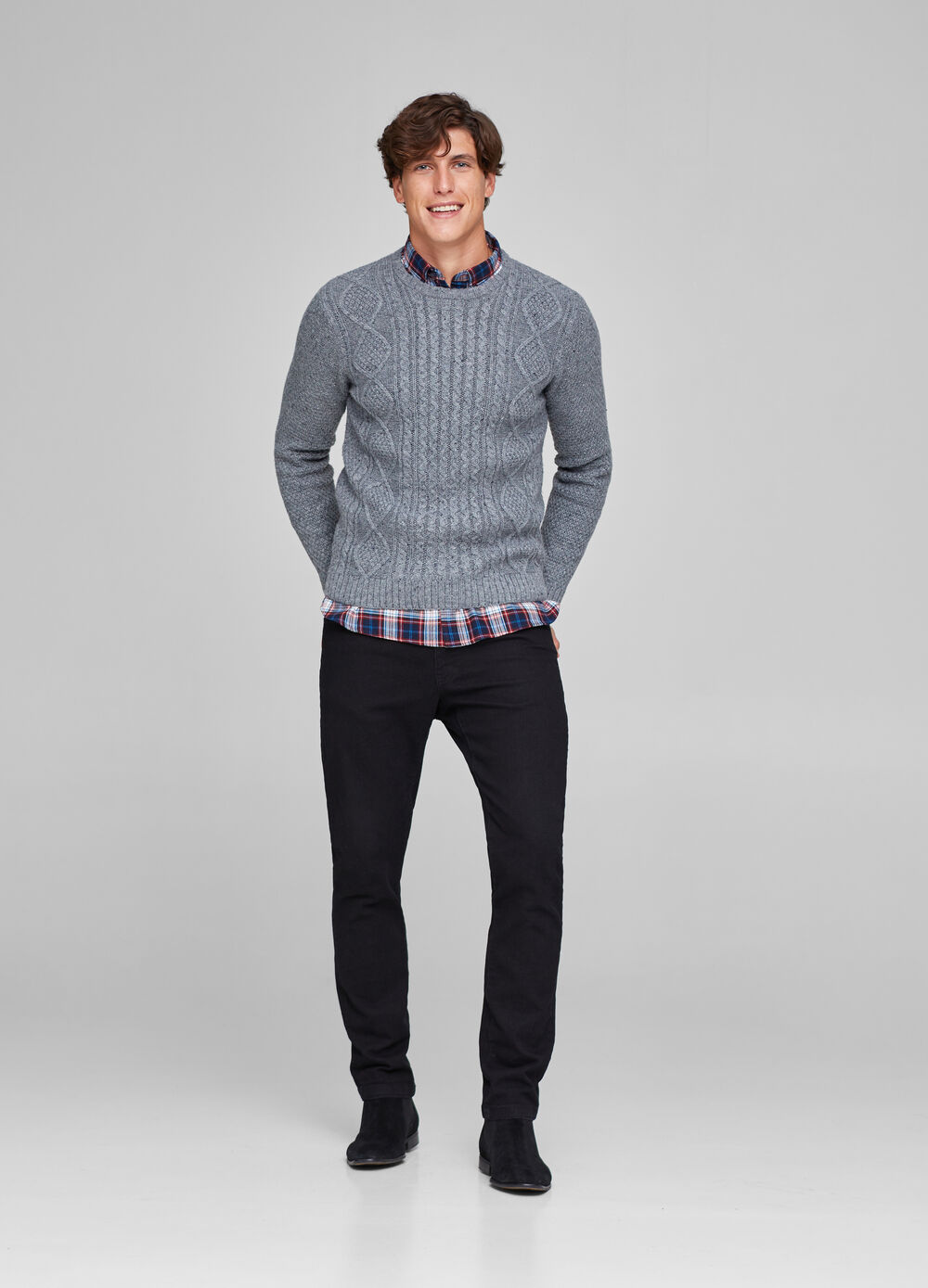 Knitted pullover with geometric weave