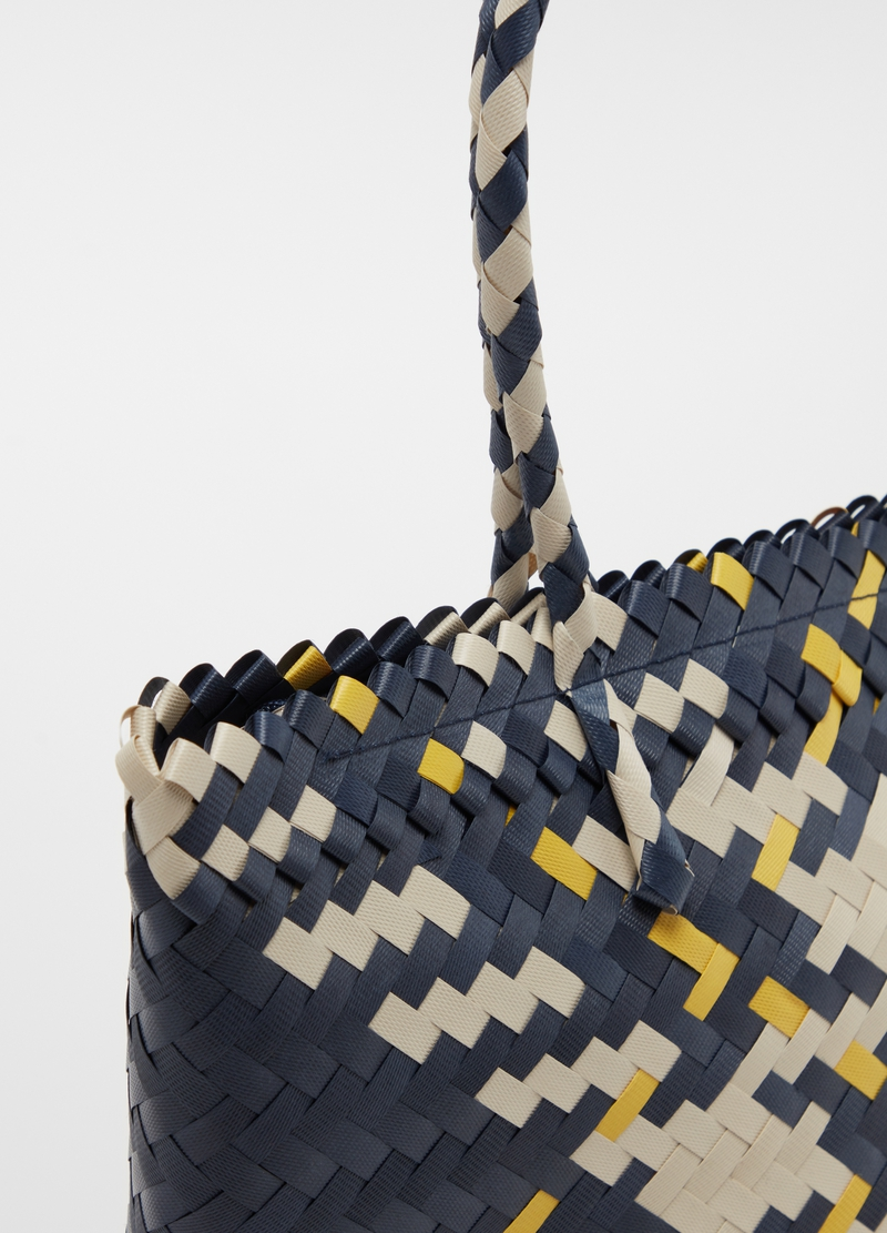 Beach bag with woven pattern image number null
