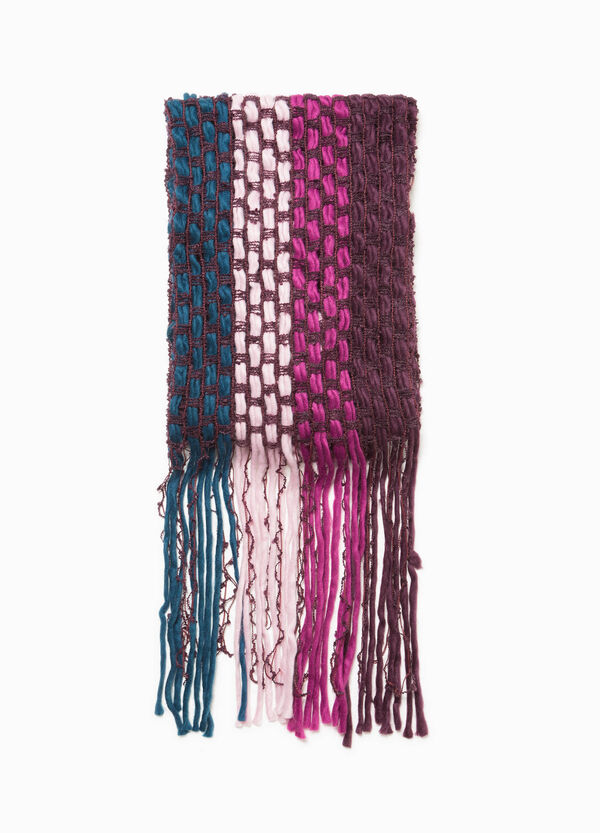Scarf with long fringing and braided weave