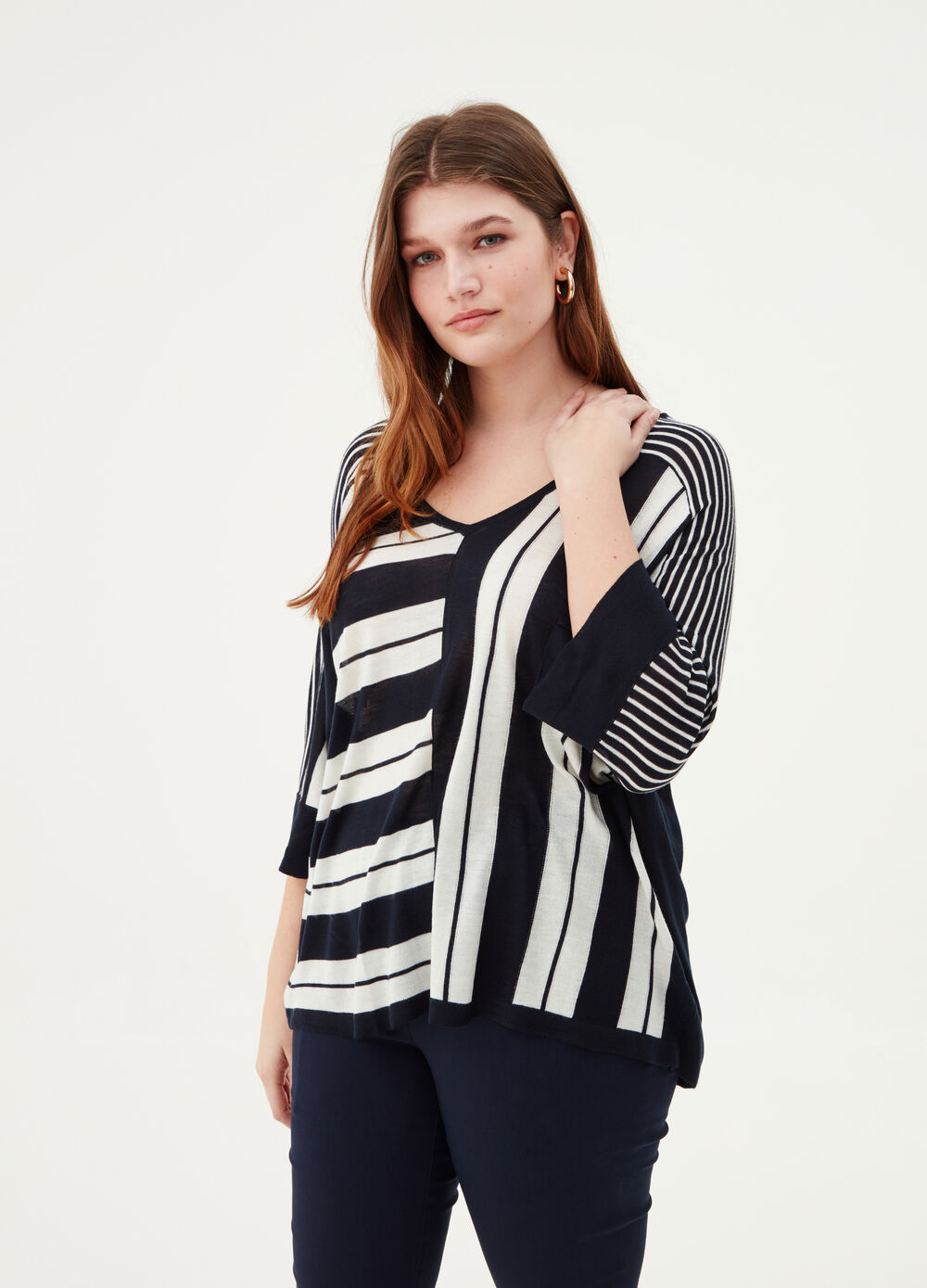 Curvy wide top with geometric pattern