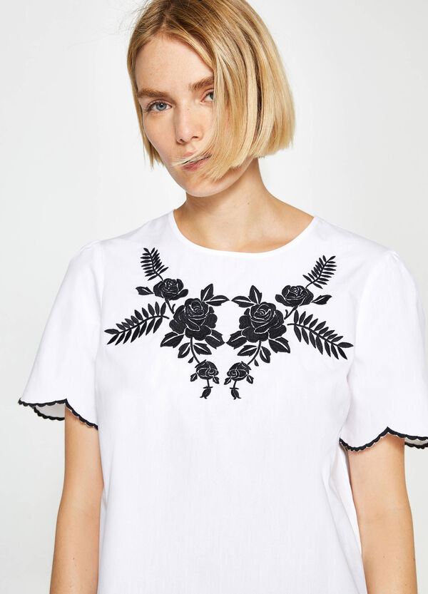 T-shirt with embroidery and wavy edges | OVS