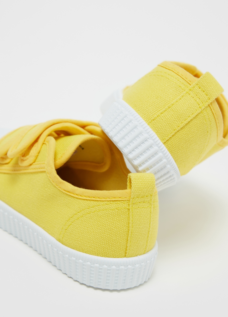Solid colour sneakers with Velcro image number null