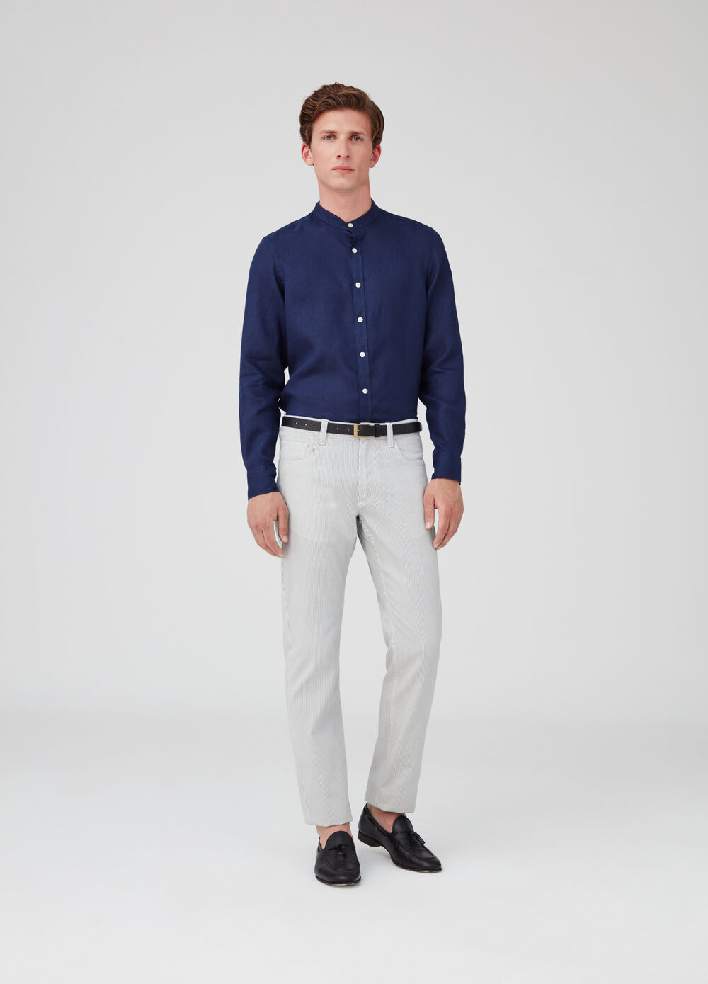 Solid colour regular-fit shirt in washed linen