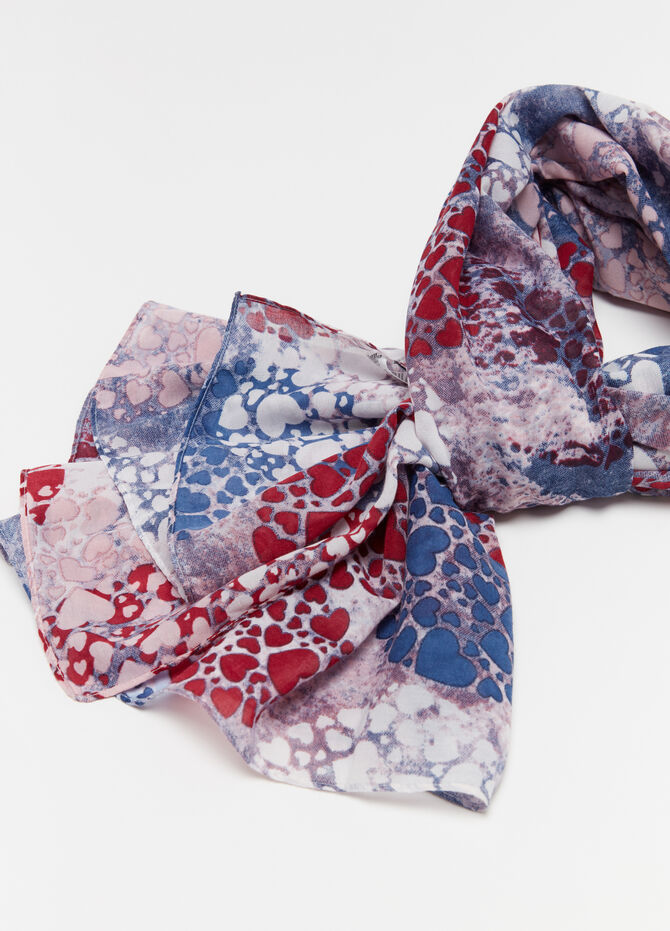 Scarf with hearts print