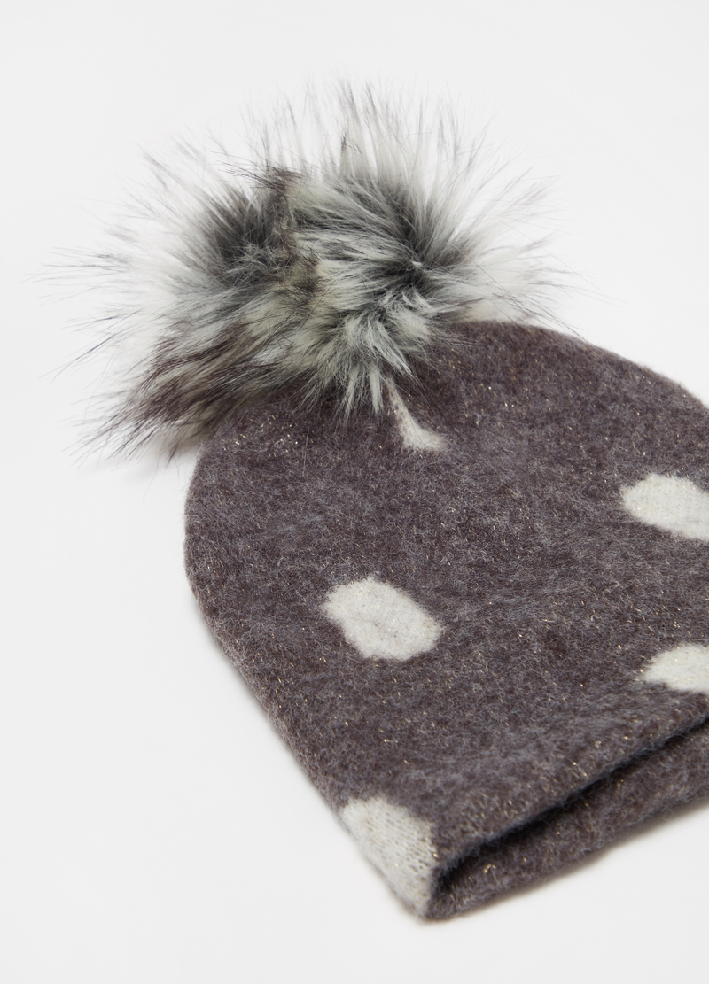 Hat with pompom and polka dot pattern image number null