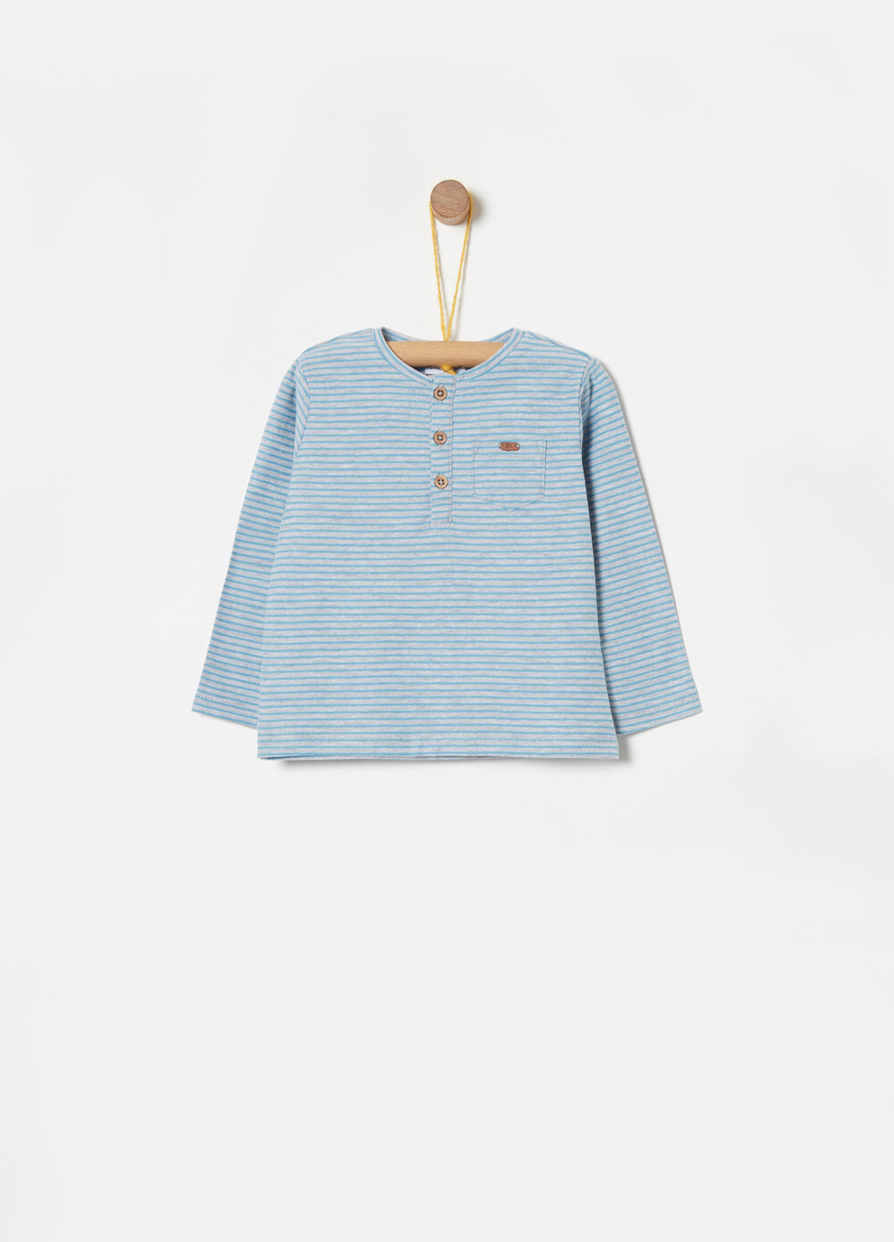 100% cotton T-shirt with striped pocket