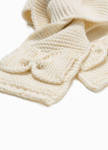 Knitted scarf with bow