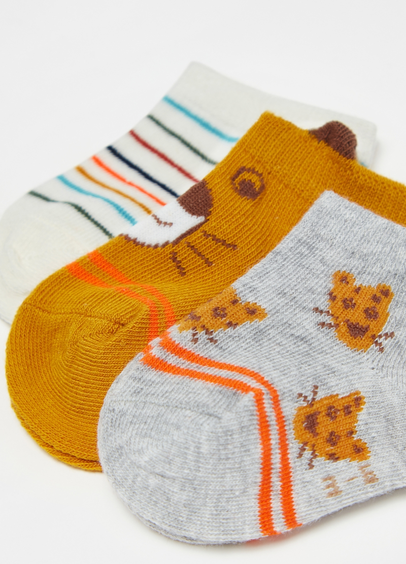 Three-pack short socks with animals and stripes image number null