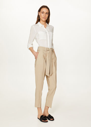 Elegant crop trousers with belt