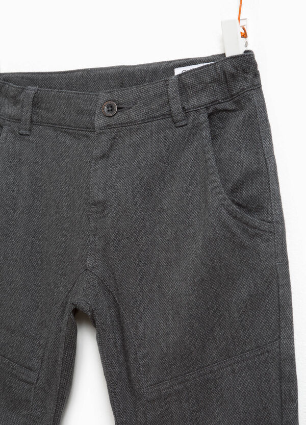 Pantaloni in cotone stretch tinta unita