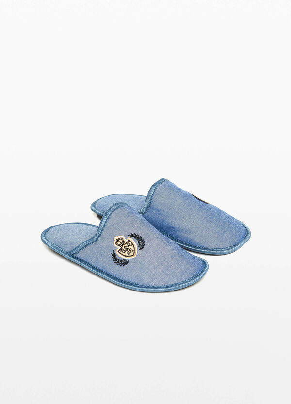 Canvas slippers with patch and embroidery