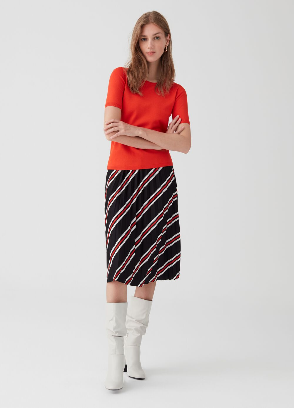 Patterned full skirt with pleats