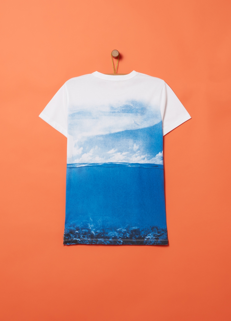 100% cotton T-shirt with shark pattern image number null