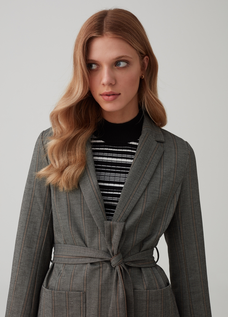 Blazer with belt and striped pockets image number null